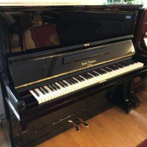 Piano Emil Nylund | Modell 2 | Svart högblank