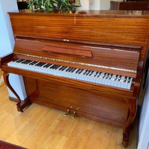 Piano Nylund & Son | Modell 118 | Polerad mahogny