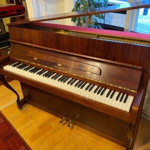 Piano Nylund & Son | Satinerad mahogny