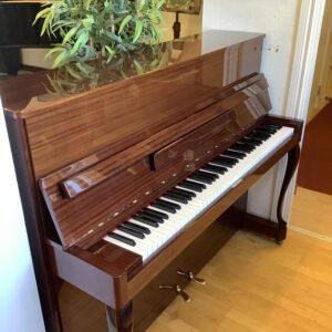 Piano Hellas | Polerad mahogny