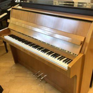 Piano Schimmel modell 108 | Valnöt